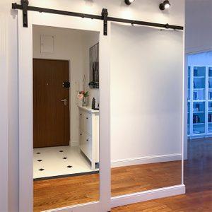 Schiebetür mit Spiegel, Schiebetür aus Massivholz, Holztür mit Spiegel, Schiebetür für Kleiderschrank, Spiegel im Flur, große Spiegel im Flur, Schiebespiegel